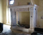 Antique Mediterranean Mantle