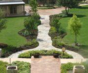 Quartzite Meandering Walkway